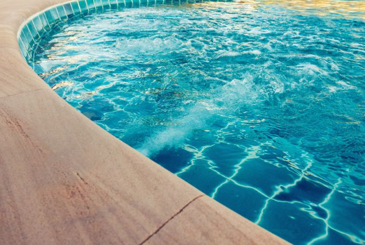Tips to clean the pool easily